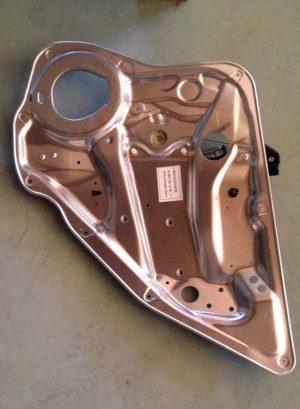 Alzacristalli posteriore destro per Classe GLK X204 - Codice OEM: A2047301279
