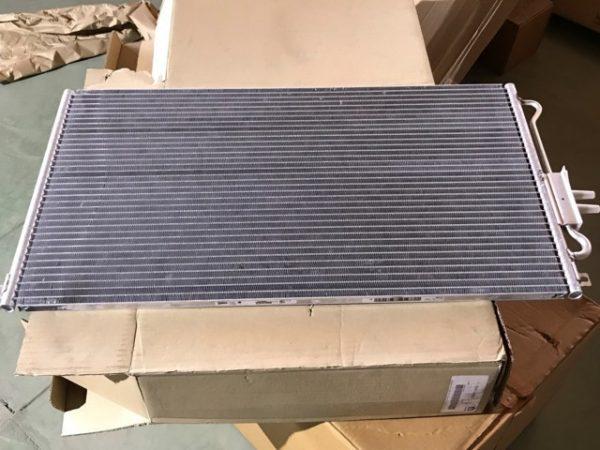 Condensatore aria condizionata per Voyager RG - OEM Chrysler: 05072262AB 05072262AA