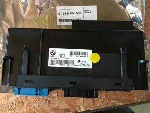 Centralina connessione rlettronica 3 per Serie X3 - Codice OEM BMW: 61359304586 - Etichetta