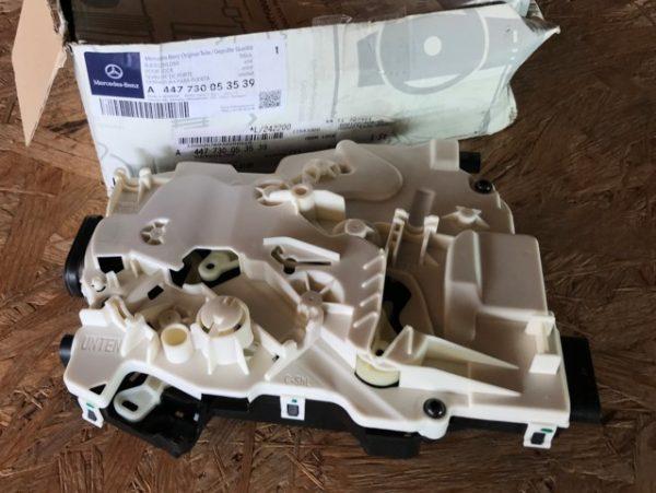 Serratura Porta Scorrevole dx MERCEDES Vito - OEM A4477300535 - A447730053539