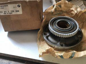 Mozzo ruota anteriore per BMW Serie 7 - OEM 31211129386 - 31211468751
