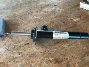 Ammortizzatore anteriore destro per BMW Serie 3 - OEM 31311096850 - 31311094562