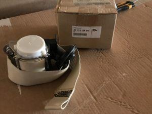 Pretensionatore anteriore destro beige per Serie 3 E92 - Codice OEM 72119138244