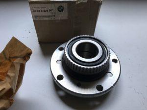 Supporto ruotra per Serie M3 E46 - OEM: 31222229501