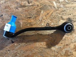 Braccio oscillante anteriore destro per X3 E83 - Codice OEM: 31103451882
