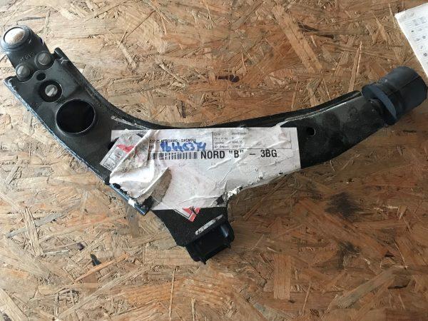 Braccio oscillante anteriore sinistro Espero - OEM: 96445371