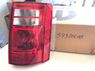 Faro posteriore destro per Dodge Caravan - OEM: 05113204AB 05113204AA